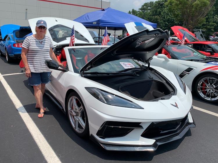 Eighth-generation White Corvette coupe