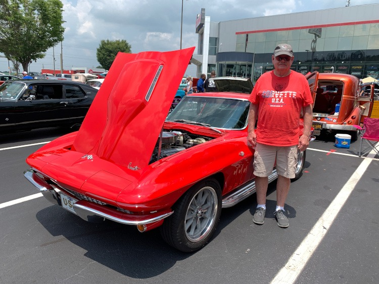 Second-generation Rally Red Corvette coupe